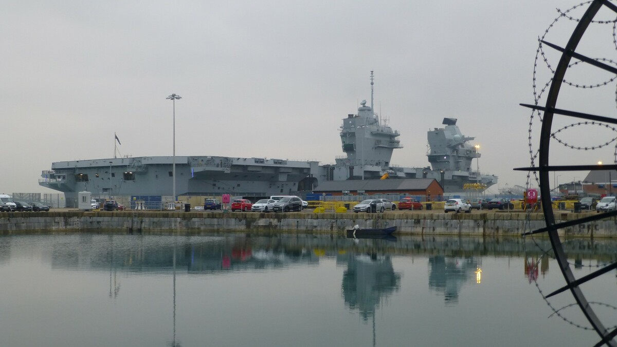 Liz docked at Portsmouth 3